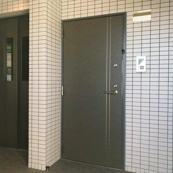 共用部。もちろん、エレベーター完備。