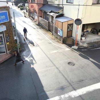 昭和な雰囲気漂う良き街並みです。