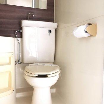 トイレの上にも手を洗う場所が!