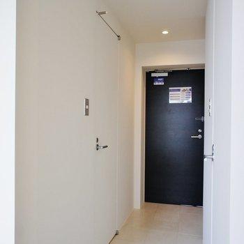 サニタリーは廊下に※同階同間取り別部屋の写真です