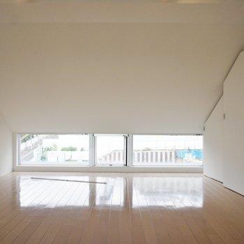 この窓素敵※同階同間取り別部屋の写真です
