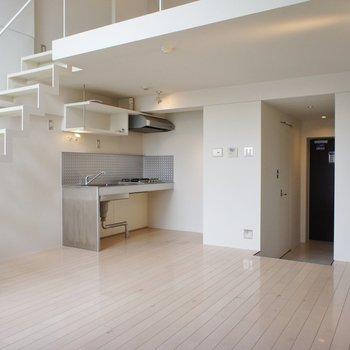 意外とコンパクトな居室※同階同間取り別部屋の写真です