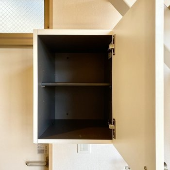 シューズボックスは床と離れて設置されています。省スペースですね。
