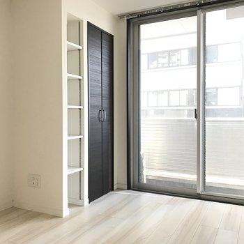 ベランダと収納はこんなかんじ ※2階同間取り別部屋の写真です