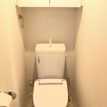 トイレは収納付きの個室です ※2階同間取り別部屋の写真です
