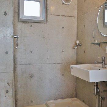 ここの壁もコンクリです。※写真は302号室のもの