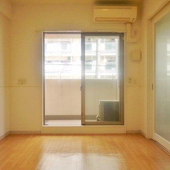 仕切りをあけてBigワンルームでも使えます。※写真は、同タイプの2階部分。