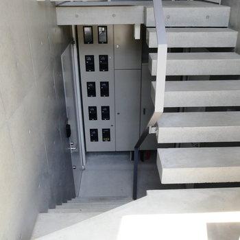 お部屋まで階段です。