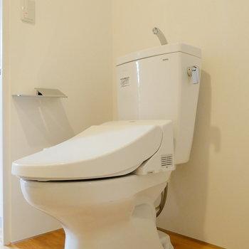 トイレは温水洗浄機能ついてます。※写真は前回募集時のものです