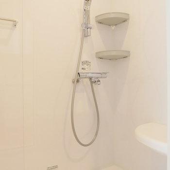 お風呂はシャワーで済ませて。