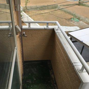 【工事前】バルコニーに洗濯機!人工芝は撤去します。