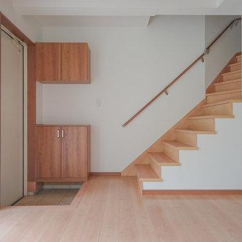 階段もイイデザイン◎