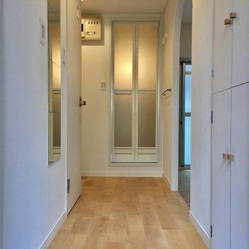 廊下もしっかり無垢の床!