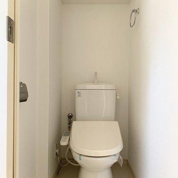 トイレに収納があるのは嬉しいポイント!