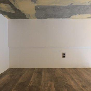 天井のビンテージ感もたまらない。