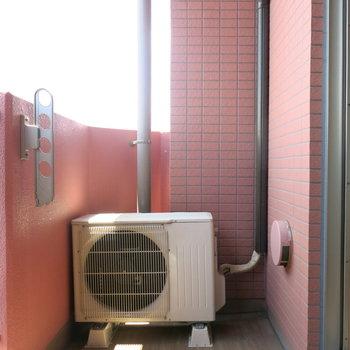 ピンクのベランダならお洗濯も楽しそう〜