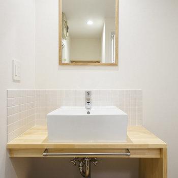 洗面台もナチュラルデザイン♪(同間取り別部屋の写真です)