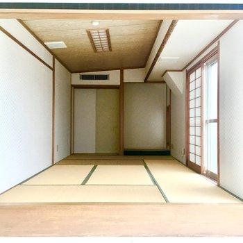 7.5畳の和室があります。ゆったりできそう。奥には収納スペースもあります。