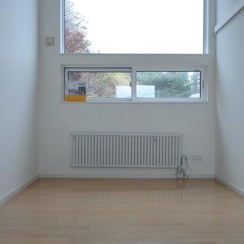 リビング窓から光がたっぷり入ります※写真は同間取り別部屋です
