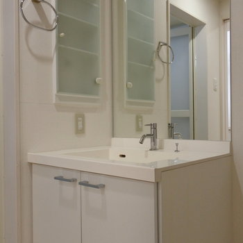 洗面も清潔感有り◎※写真は同間取り別部屋です