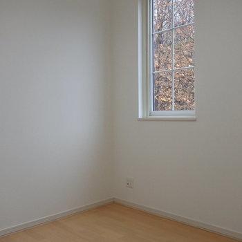 こちら4.5Jの寝室。※写真は同間取り別部屋です