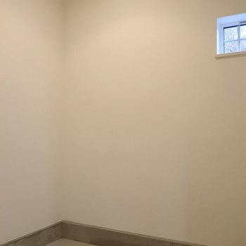 玄関横に土間収納がついてるのです※写真は同間取り別部屋です