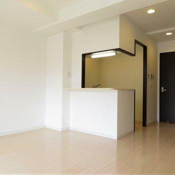 家具の配置はどうしましょう(※写真は10階の同間取り別部屋のものです)