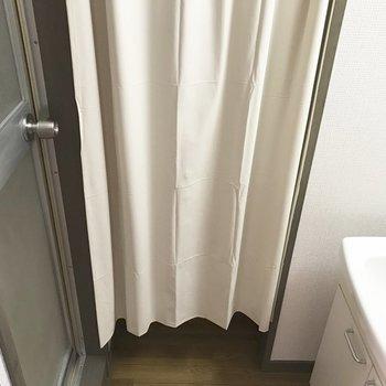 個室ではないけれどカーテン付き♪※写真は9階の同間取り別部屋のものです