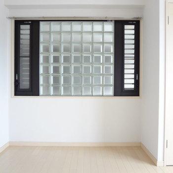 ガラスブロックがかわいいの※写真は別室です