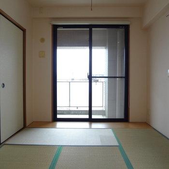 和室からもバルコニーに出られます※写真は別室です