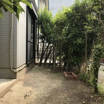 1階なのでお庭があるのです!