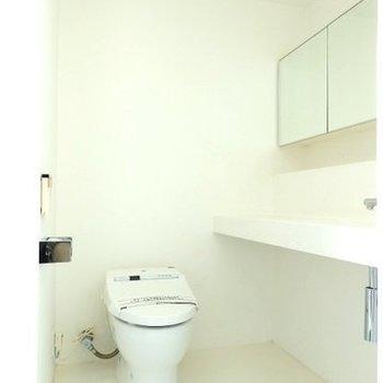 トイレもすっきり ※写真は同間取り 4階の別部屋です。