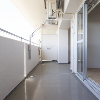 バルコニーも広いです!※写真は同タイプ13階のお部屋です