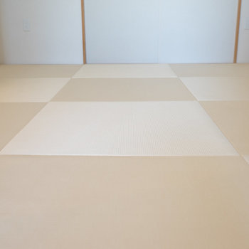 畳は、汚れやハウスダストに強いものを。※写真は同タイプ13階のお部屋です
