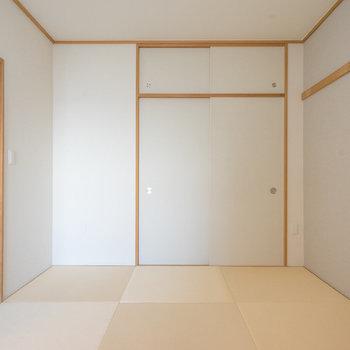 シンプルで使いやすい形です。※写真は同タイプ13階のお部屋です
