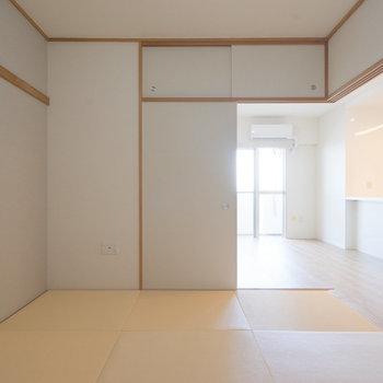 和室、引戸を開けて置けば開放的に!※写真は同タイプ13階のお部屋です