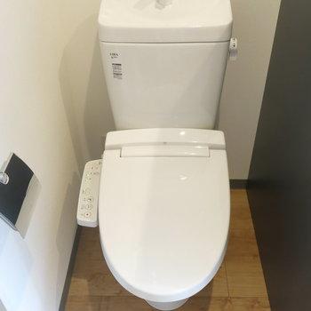 1階トイレはアメセパタイプ!2階にもトイレありますよ!