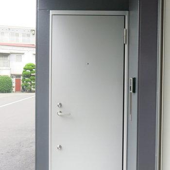 玄関はシンプルが一番!