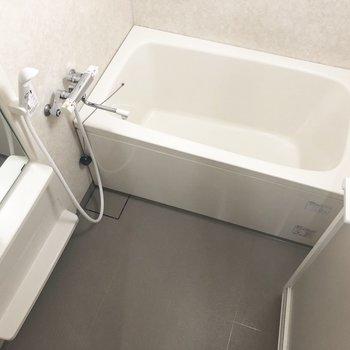 白くてきれいなお風呂!