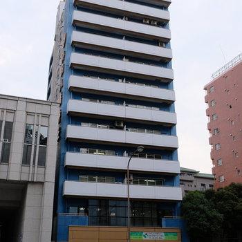 11階建ての大きなマンションです!