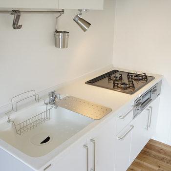 キッチンは料理が捗る3口ガスコンロ◎※写真はイメージ
