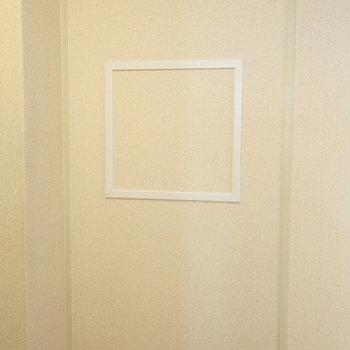 こちら、ステージセレクト特有の間仕切り壁です。時々点検が入ります。