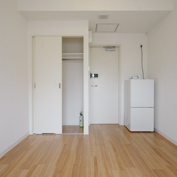 【1004】こちらには冷蔵庫以外の家具は付きません!