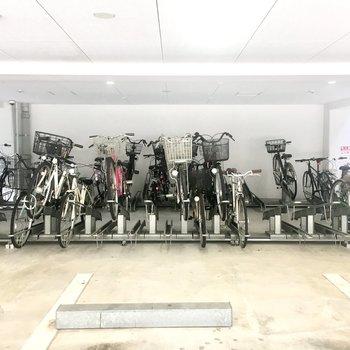【共有部】自転車置き場ありますよ。