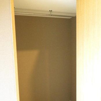 階段したスペースは収納に※写真は前回掲載時のものです。