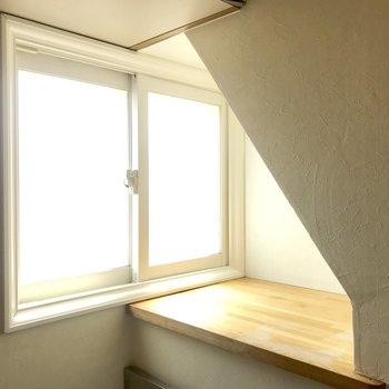 キッチンに窓とこんなスペース!※写真は同間取り別部屋です