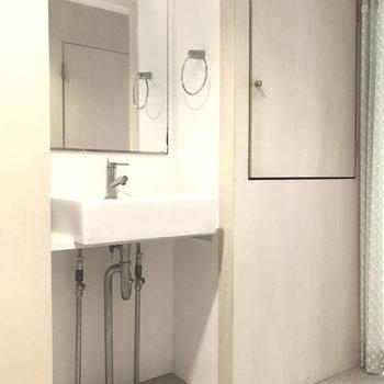 オシャレな洗面台はテンション上がる♩