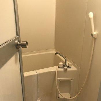 【工事前】お風呂は既存ですが壁のシートかわります