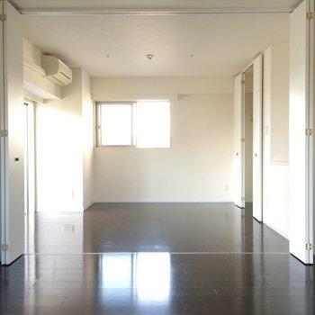 仕切らずに広く使いたい ※写真は13階の同間取りのお部屋です。