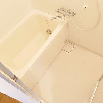お風呂もゆとりある。